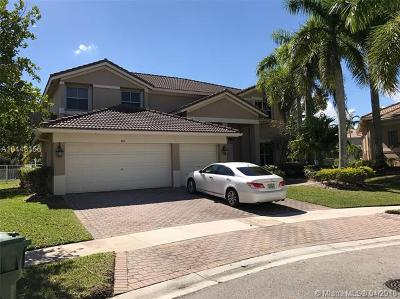 Weston Single Family Home For Sale: 865 Reflection Ln