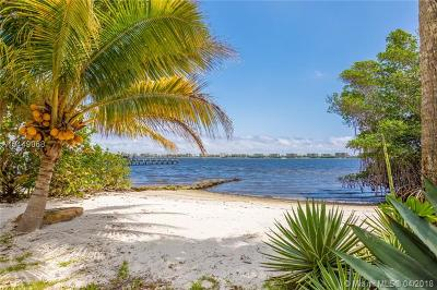 Palm Beach County Single Family Home For Sale: 1306 S Lakeside Dr