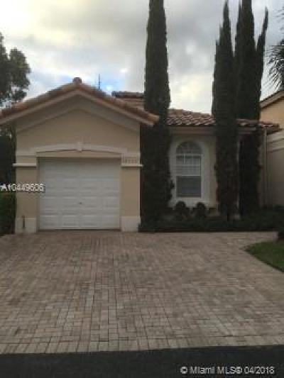 Doral Single Family Home For Sale: 10933 NW 67th St