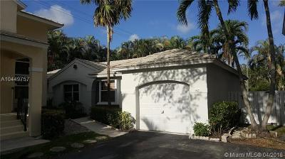 Plantation Single Family Home For Sale: 817 NW 99 Ave