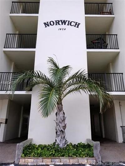 Fort Lauderdale Condo For Sale: 1424 SE 15th St #51