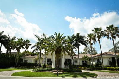 Pembroke Pines Single Family Home For Sale: 525 W Enclave Cir W