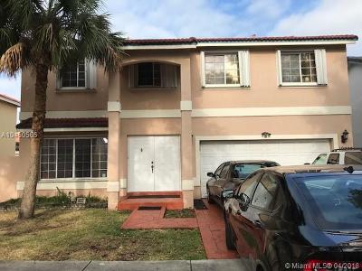 Hialeah Single Family Home For Sale: 19222 NW 89th Ave