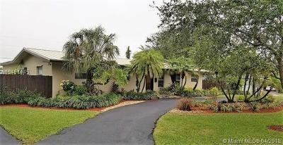 Palmetto Bay Single Family Home For Sale: 8445 SW 143rd St