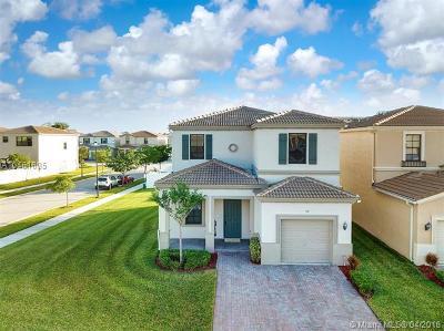 Miami Single Family Home For Sale: 719 NE 193rd St