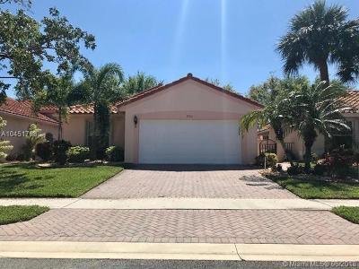 Boynton Beach Single Family Home For Sale: 5130 Pelican Cove Dr