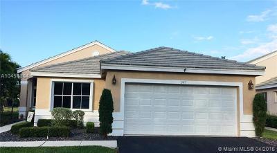 Weston Single Family Home For Sale: 197 E Bayridge Dr