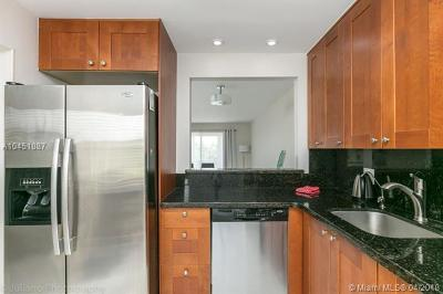 Hollywood Condo For Sale: 950 Hillcrest Dr #311