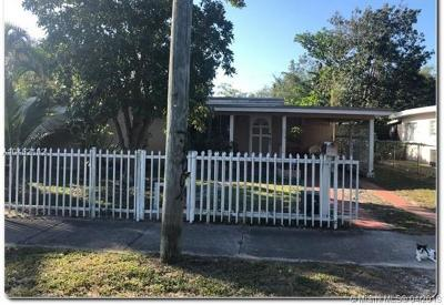 North Miami Single Family Home For Sale: 1080 NE 133rd St