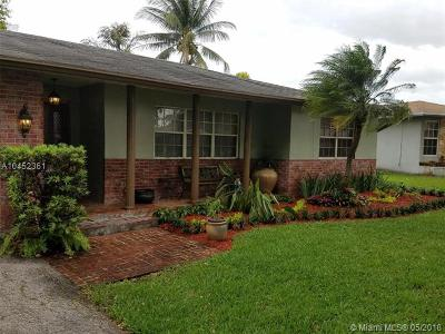 Davie Single Family Home For Sale: 2604 SW 83rd Ave