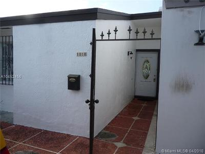 Hialeah Single Family Home For Sale: 1818 W 72nd St