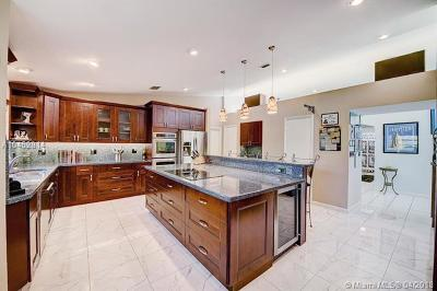 Dania Beach Single Family Home For Sale: 312 SE 5th St