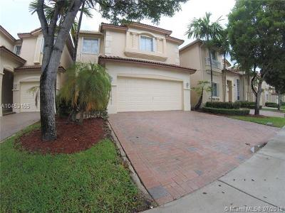 Doral Single Family Home For Sale: 11641 NW 68th Ter