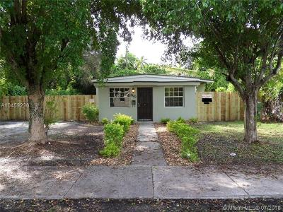 Miami Single Family Home For Sale: 3880 Charles Ter