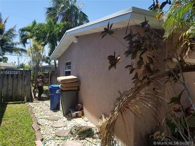 Sunrise Single Family Home For Sale: 8640 NW 26th Pl