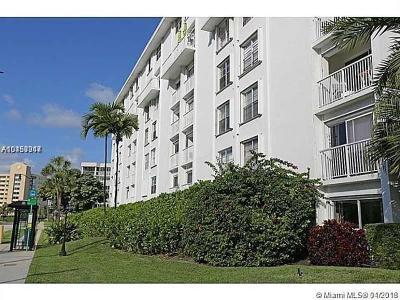 Sunny Isles Beach Condo For Sale: 17800 NE Atlantic Blvd #PH15