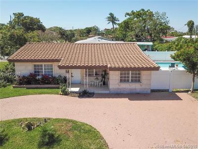 Pompano Beach Single Family Home For Sale: 2450 NE 18th St