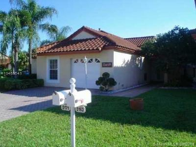 Doral Single Family Home For Sale: 5171 NW 106th Ave
