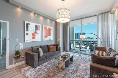 Miami Beach Condo For Sale: 6799 Collins Ave #512