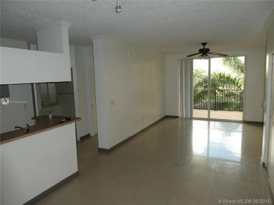 Sunny Isles Beach Condo For Sale: 17100 N Bay Rd #1613