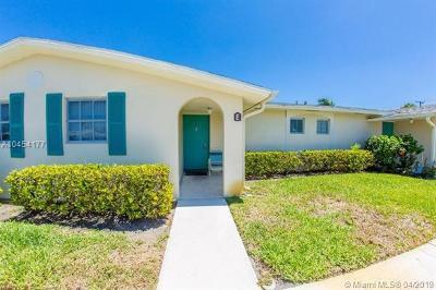 West Palm Beach Condo For Sale: 2966 E Ashley Dr E #E