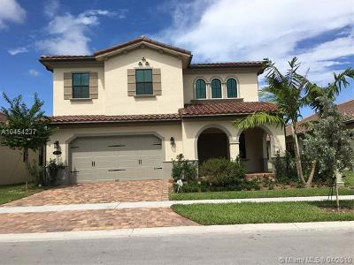 Pembroke Pines Single Family Home For Sale: 1033 SW 113th Way
