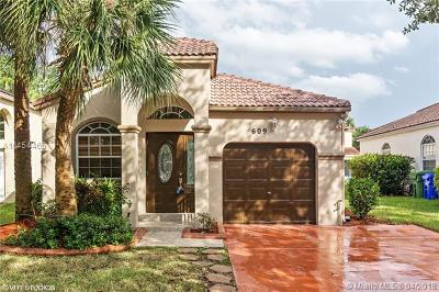 Pembroke Pines Single Family Home For Sale: 609 NW 159th Ln