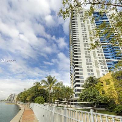 Miami-Dade County Condo For Sale: 1330 West Ave #506