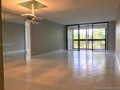 Weston Condo For Sale: 16300 Golf Club Rd #314
