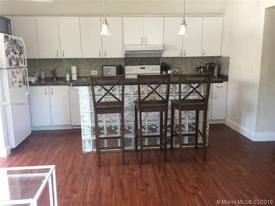 Miami Beach Condo For Sale: 900 Meridian Ave #202