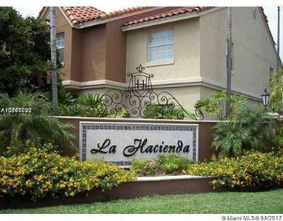 Hialeah Condo For Sale: 18330 NW 68th Ave #I