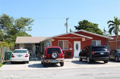 Miami Multi Family Home For Sale: 9211 SW 37th St