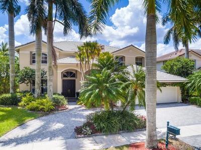 Weston Single Family Home For Sale: 1636 Victoria Pointe Cir