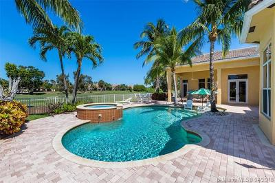 Pembroke Pines Single Family Home For Sale: 610 W Enclave Cir W