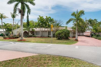 Palmetto Bay Single Family Home For Sale: 8720 SW 148th St