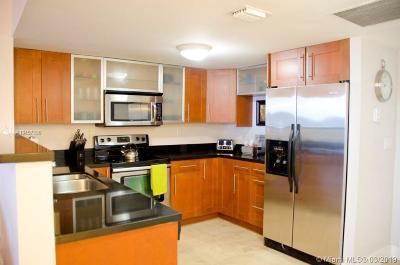 Miami Beach Condo For Sale: 2301 Collins Ave #837