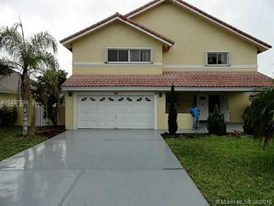 Broward County Single Family Home For Sale: 710 NW 207th Ave