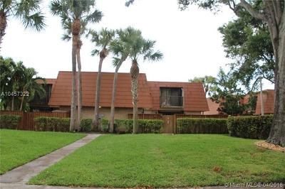 Palm Beach County Condo For Sale: 740 Buttonwood Ln #1