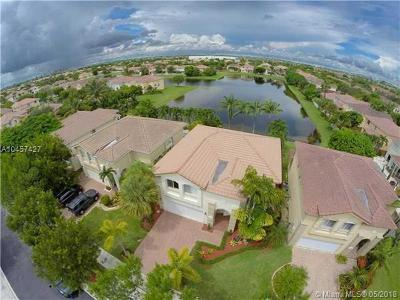 Doral Single Family Home For Sale: 10953 NW 44th Ter