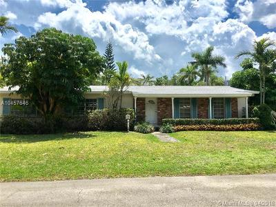 Pinecrest Single Family Home For Sale: 5870 SW 100th Ter