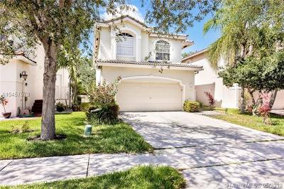 Coral Springs Single Family Home For Sale: 10273 NW 7th St
