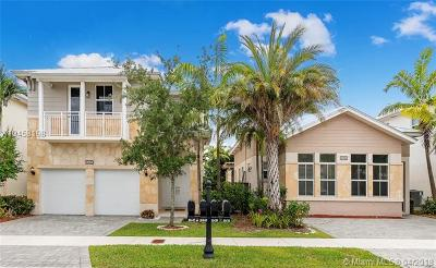 Doral Single Family Home For Sale: 10430 NW 69 Te