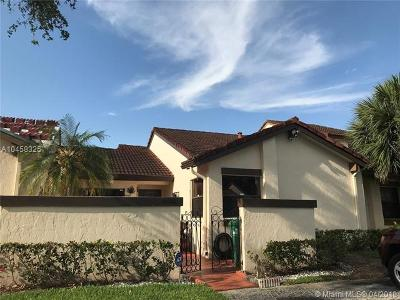 Hialeah Condo For Sale: 6629 NW 181st Ter