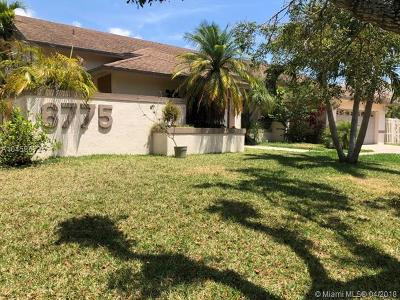 Davie Single Family Home For Sale: 6775 SW 59th Ct