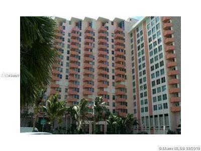 Miami Beach Condo For Sale: 2899 Collins Ave #1402