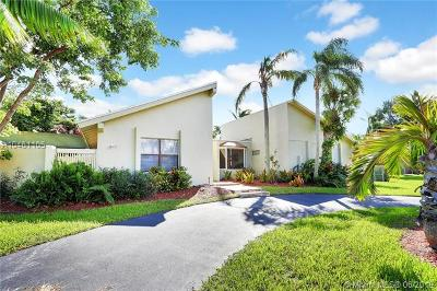 Palmetto Bay Single Family Home For Sale: 8304 SW 168th Ter