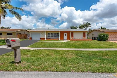 Pembroke Pines Single Family Home For Sale: 721 NW 98th Ave