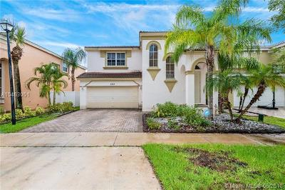 Miramar Single Family Home For Sale: 5393 SW 155 Wy