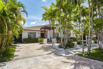 North Miami Single Family Home For Sale: 13095 Keystone Terrace