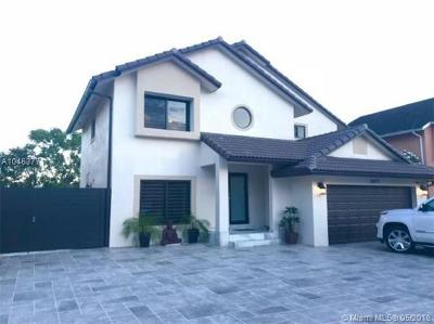 Hialeah Single Family Home For Sale: 18873 NW 77th Ct